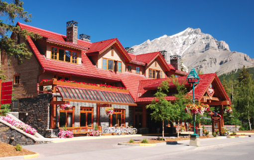 Banff Ptarmigan Inn Summer